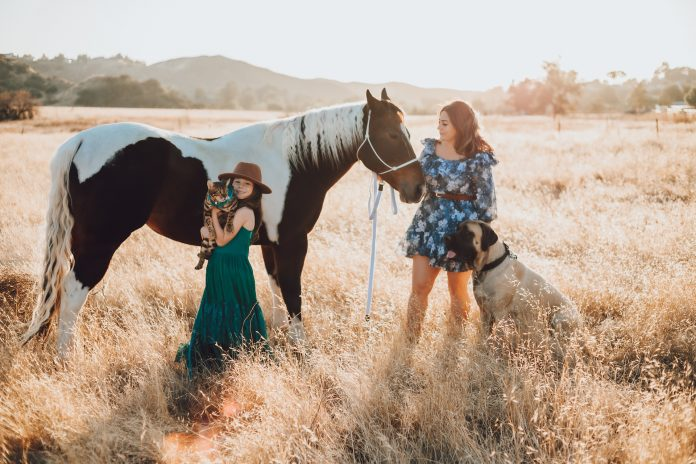 mommy and me photo with a horse